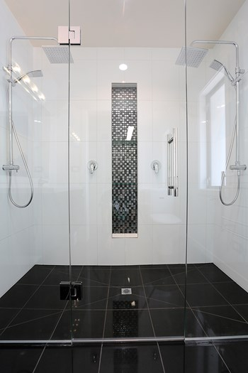 Bathroom White with Black Tiles - Bathroom Design Ideas