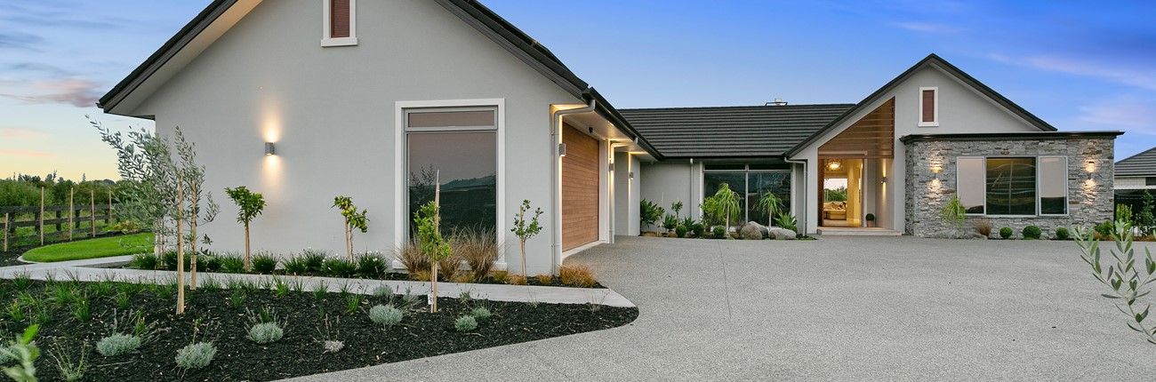 Waikato exterior mix cladding single level