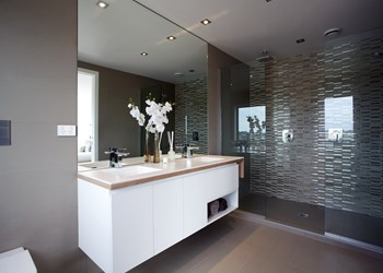 Northshore_LongBay_Bathroom1.jpg