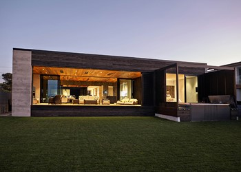 Custom homes, open plan living indoor outdoor flow